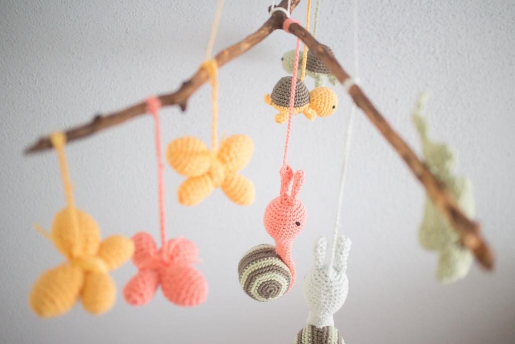 Schnecke, Schildkröte und Schmetterling: Baby-Mobile häkeln - Paula ...