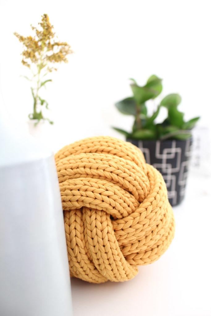 XXL-Stricken: Dekoideen aus Textilgarn
